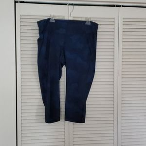 OLD NAVY ACTIVE blue camo cropped leggings